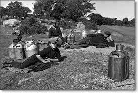 Giovani pastori a riposo.  Centro Sardegna anni 50.