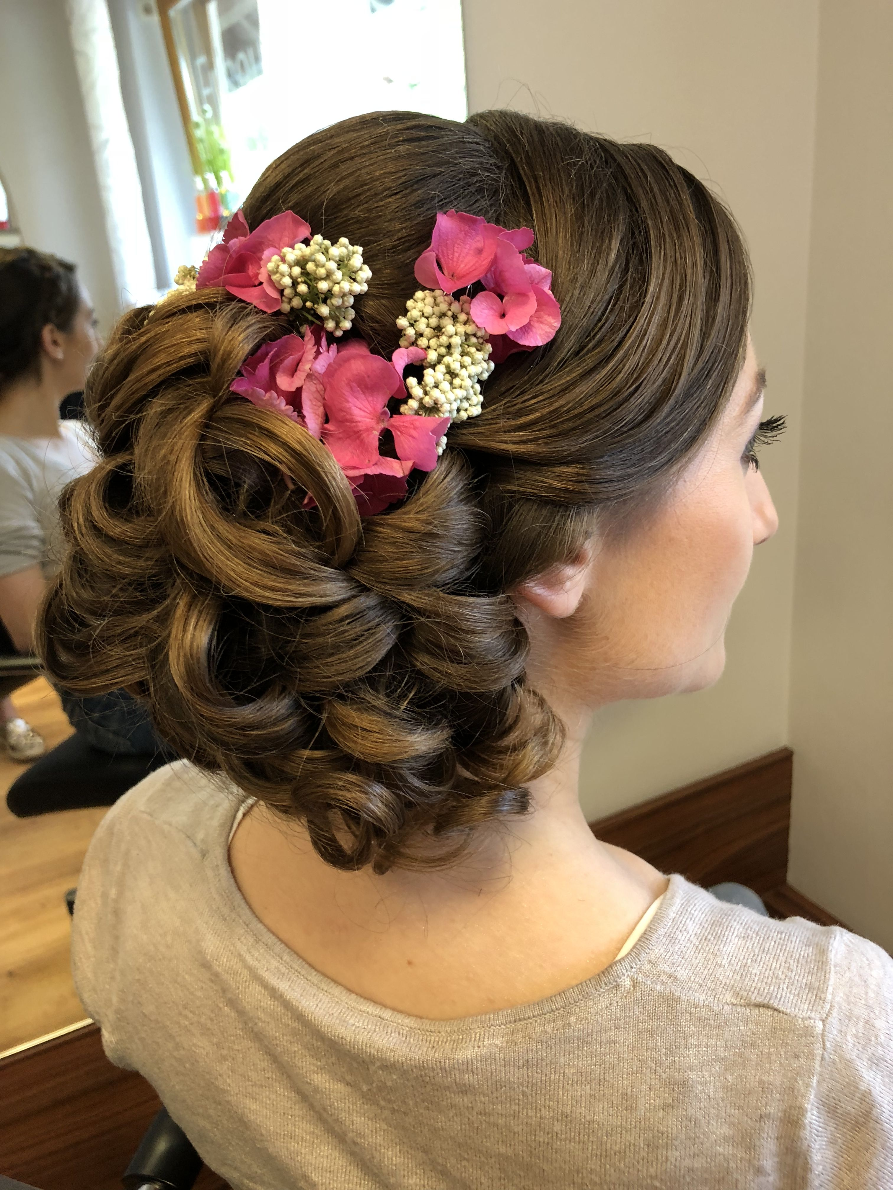 Frisur Standesamt Pin Von Wedding Estates Auf Bride Bridal Hairstyles In 2019