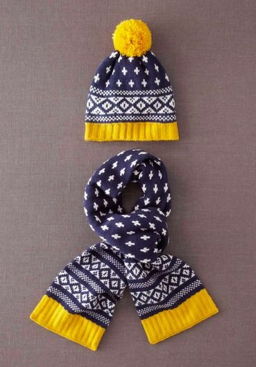 Boden bobble hat and scarf set