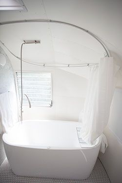 Airstream Bathtub   If This Was In Your Caravan, Surely You Would Never  Want To