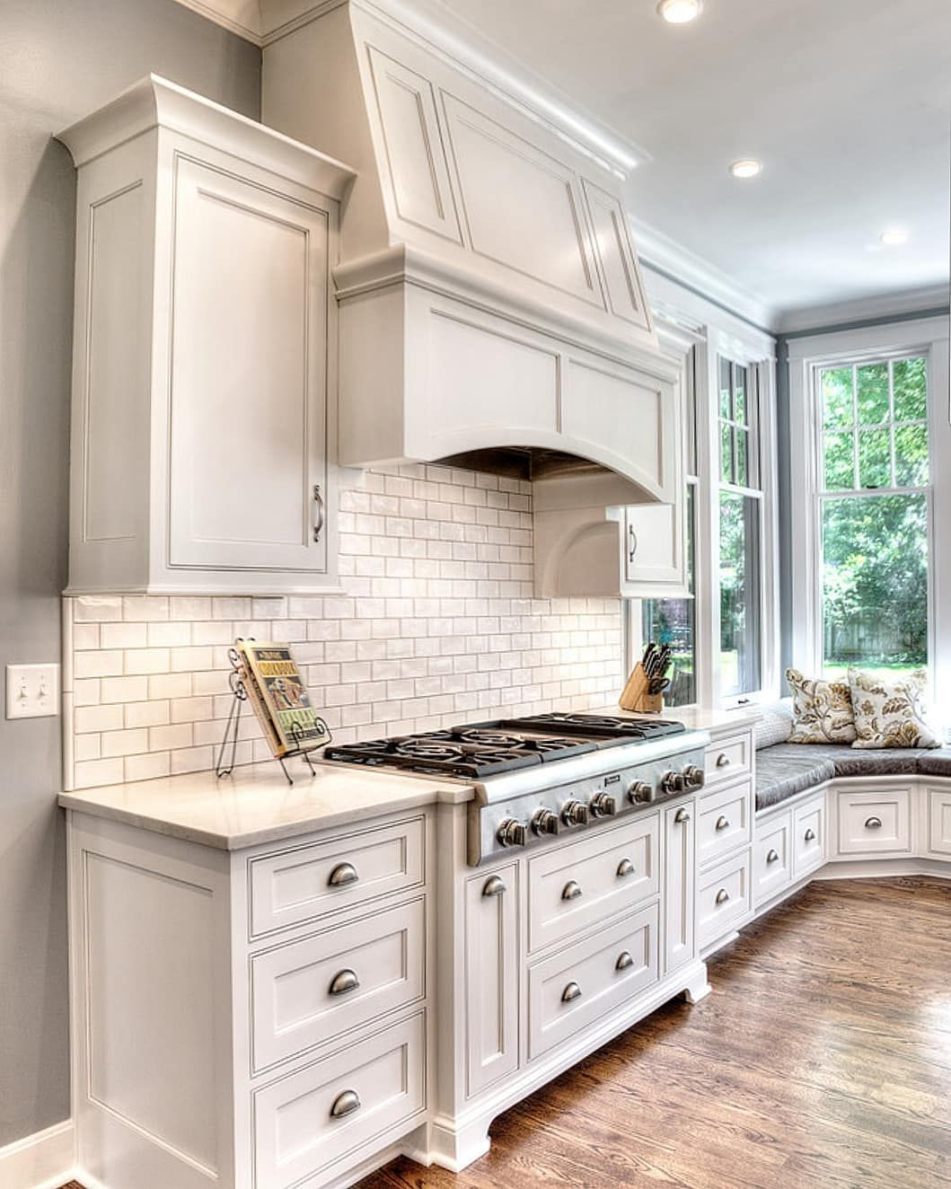 Best Swipe To See More Of This Beautiful Kitchen By L Marie 400 x 300