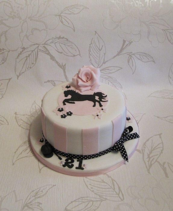 Horse silhouette cake - Cake by Cake Cucina