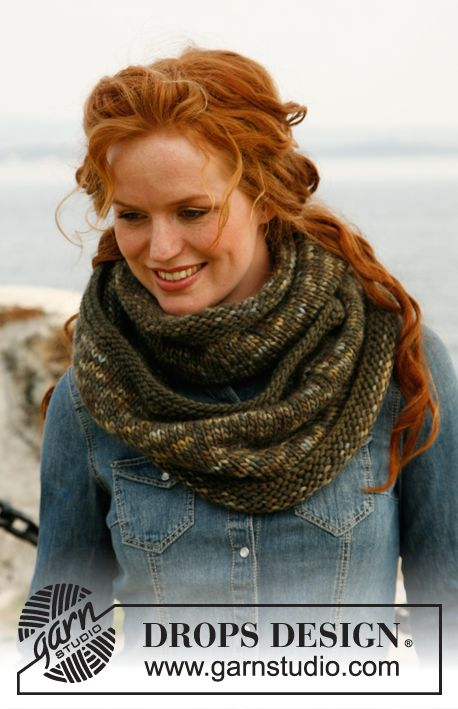 "Knitted DROPS neck warmer in ""Eskimo"". ~ DROPS Design 
