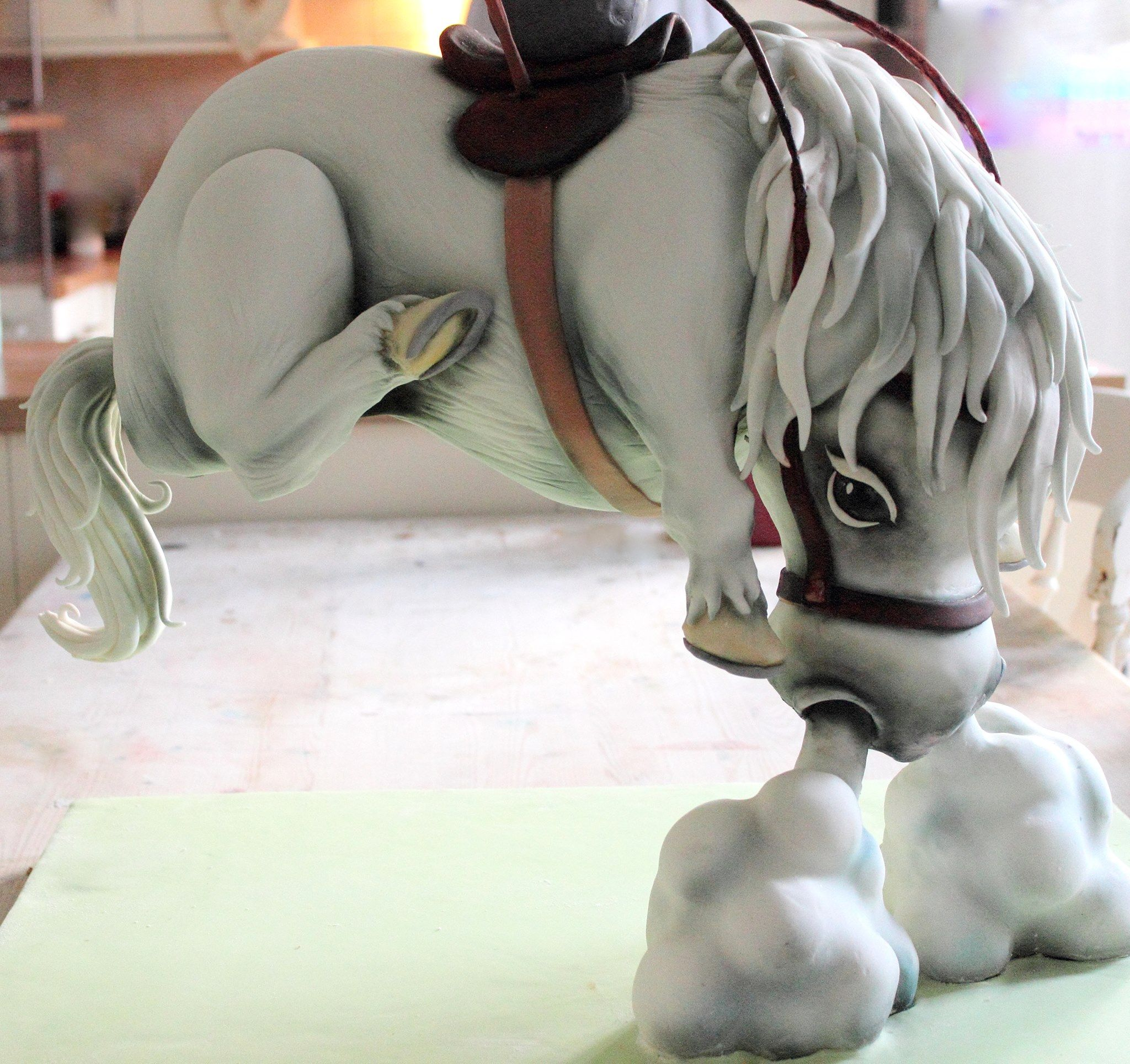 how to make a horse out of fondant