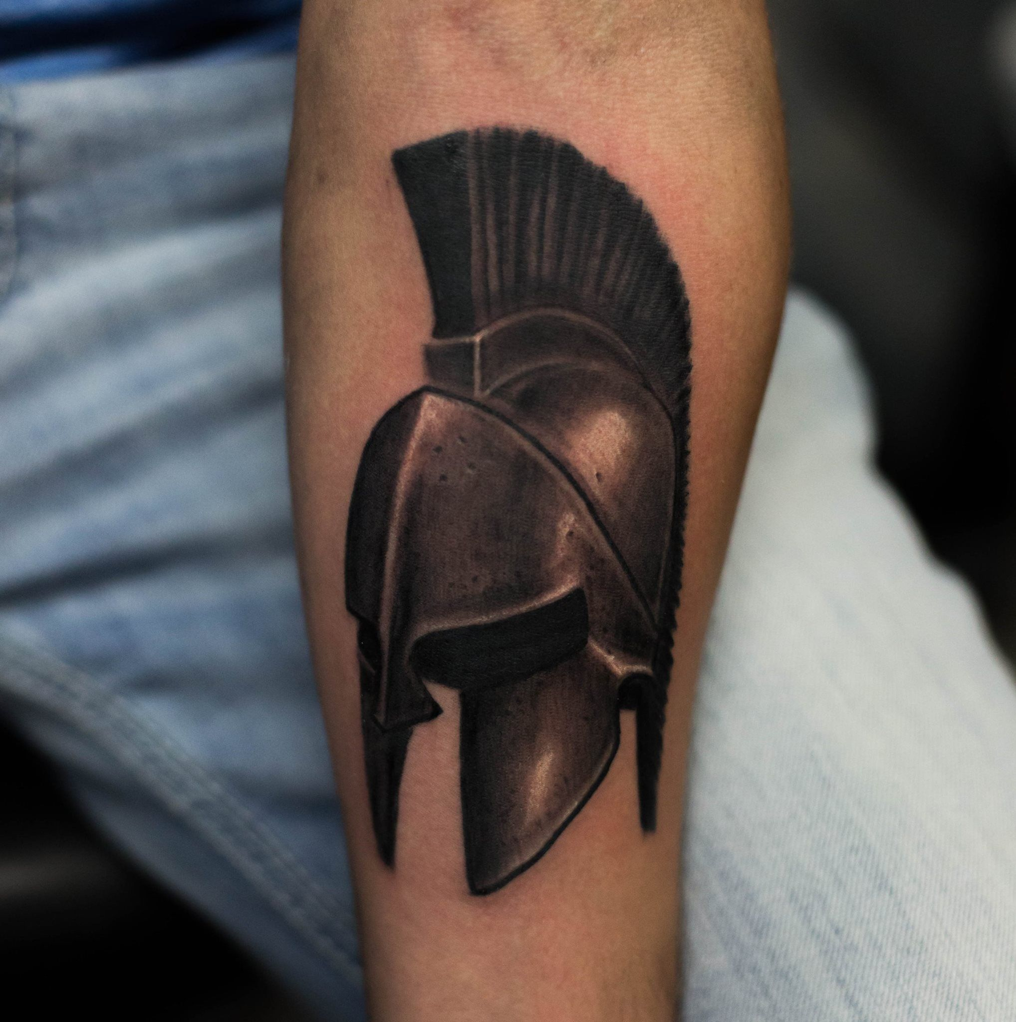 spartan helmet tattoo tattoos pinterest spartan helmet tattoo helmet tattoo and spartan. Black Bedroom Furniture Sets. Home Design Ideas