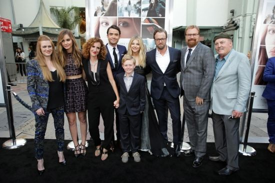 Dit is de hele cast uit de film. Zijn hebben elke hun eigen personage in het boek. Gayle Forman, de schrijfster van het boek, is ook aanwezig.