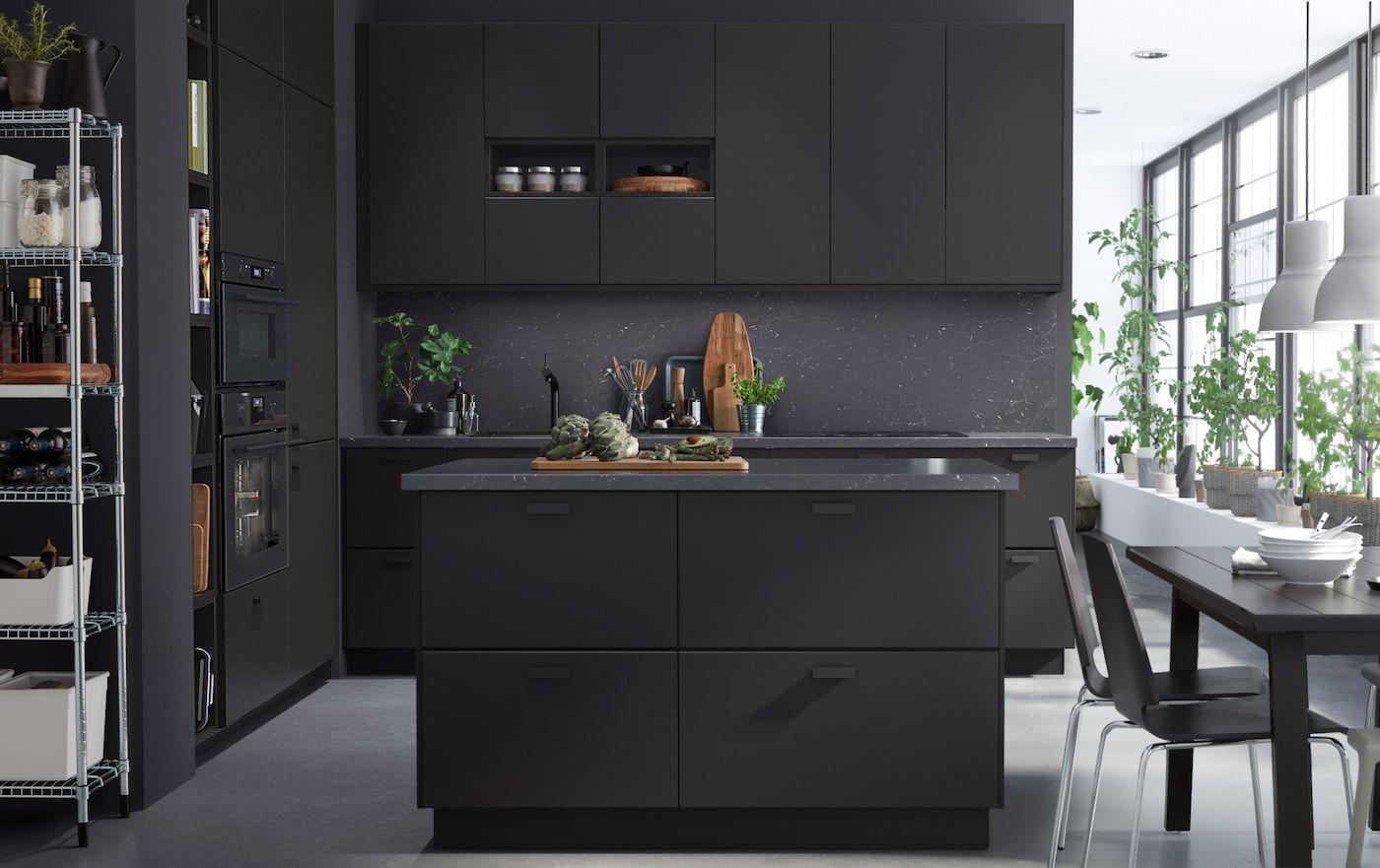 Elegante Kuche Nachhaltig Gestaltet In 2020 Kuchendesign Modern Luxuskuchen Luxus Kuche Design