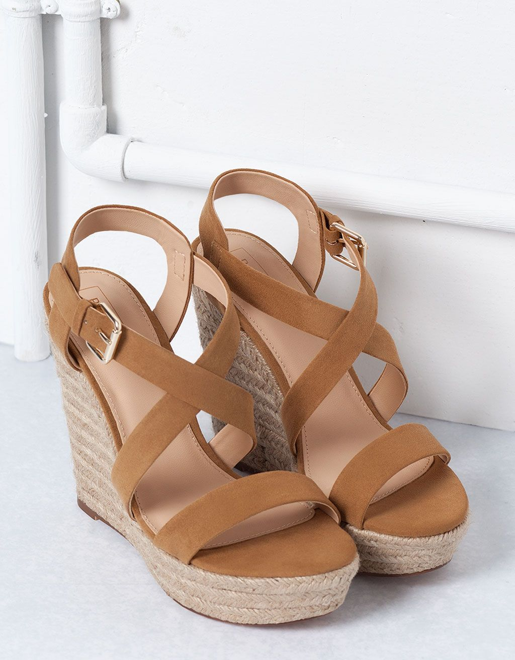sandales compensées jute bershka - voir tout - bershka france