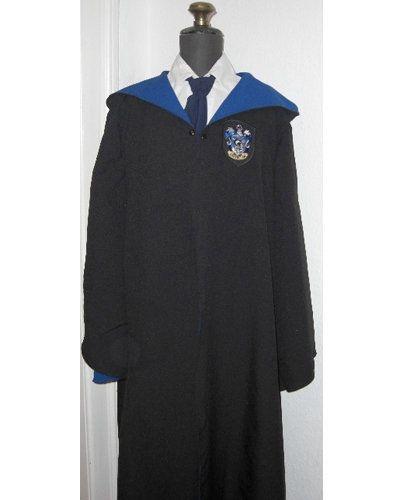 The 25+ best Hogwarts robes ideas on Pinterest | Harry ...