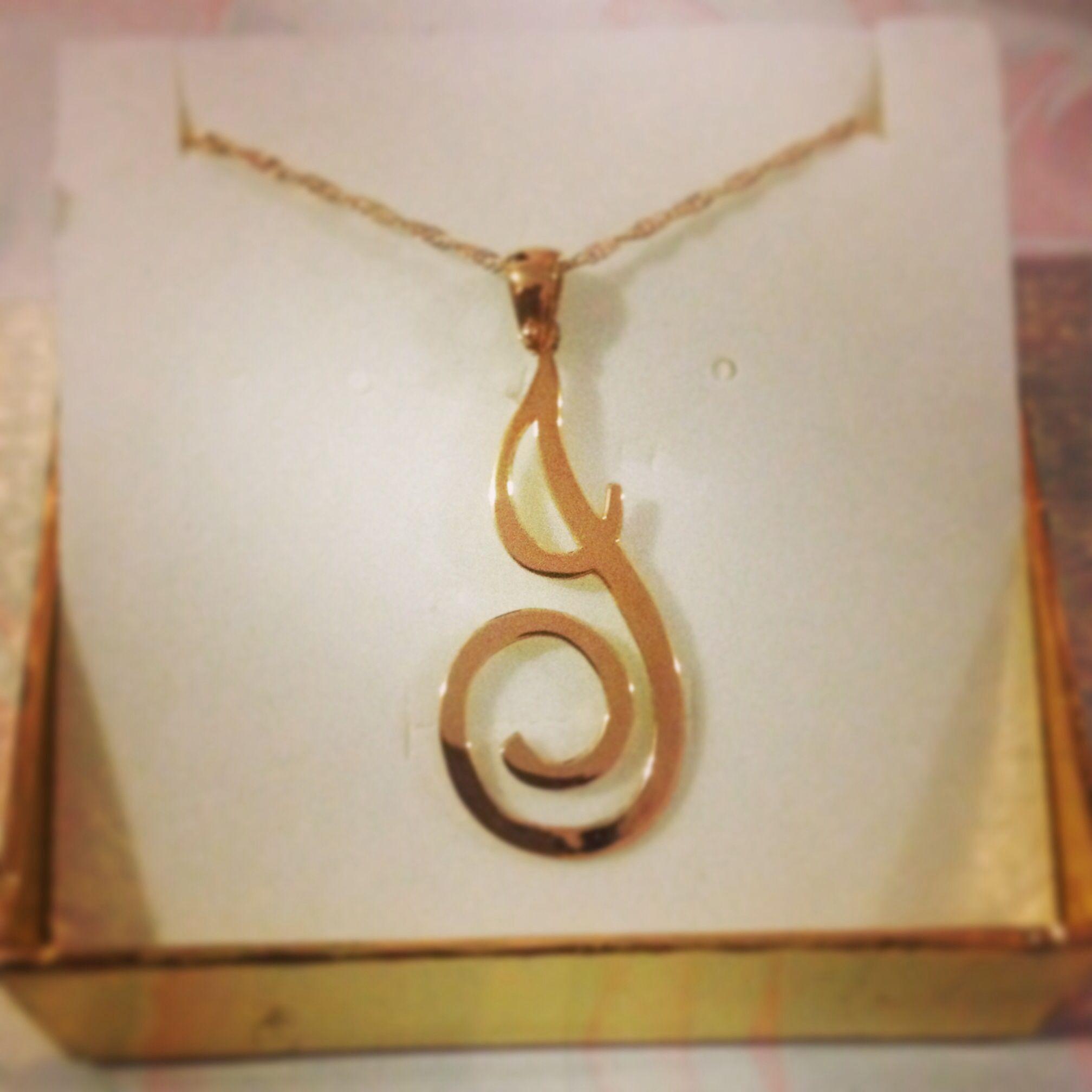 Dije letra J en plata con baño de oro rosa  1228988a31f89