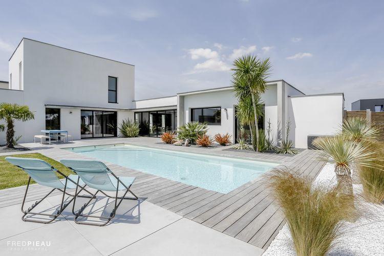 Piscine contemporaine | Swimming pools | Pinterest | Piscines ...