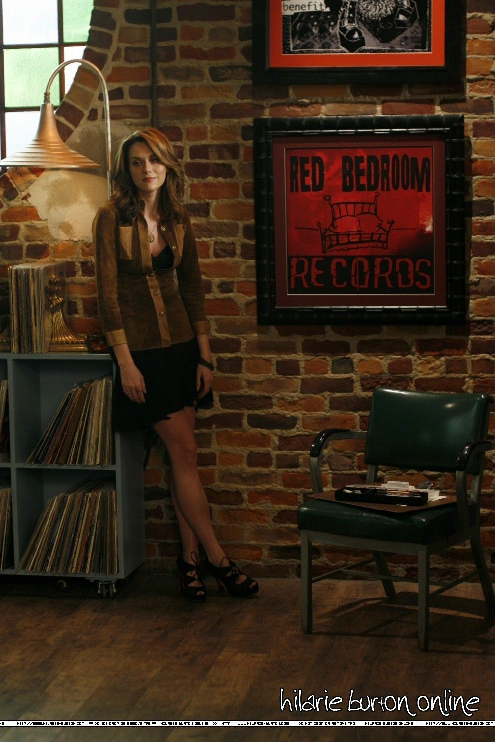 red bedroom records Google Search Bedroom red, Red