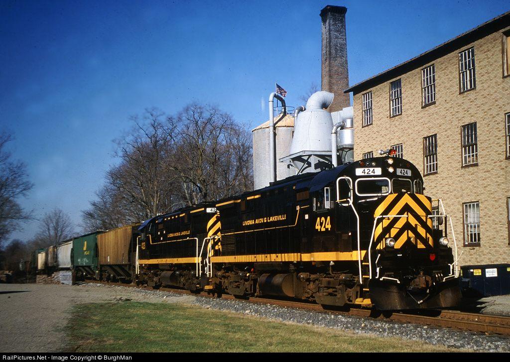 RailPictures.Net Photo: LAL 424 Livonia, Avon & Lakeville Alco C424 at Salamanca, New York by BurghMan