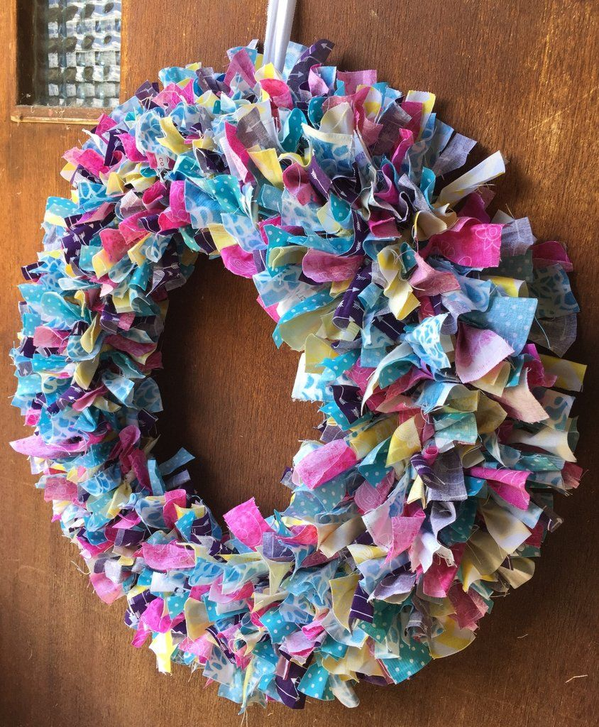 Photo of Technique Tuesday – How to Make a Wreath with Scrap Fabric