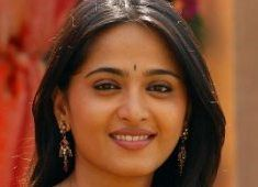 Anushka to increase 20 Kg weight  http://www.tollywood.net/TopStories/MovieStory/8869/Anushka+to+increase+20+kg+weight