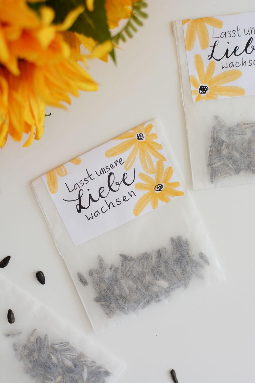 Diy Sonnenblumen Tuten Als Gastgeschenk We Love Handmade Sonnenblumen Hochzeit Gastgeschenke Hochzeit Diy Hochzeit Ideen