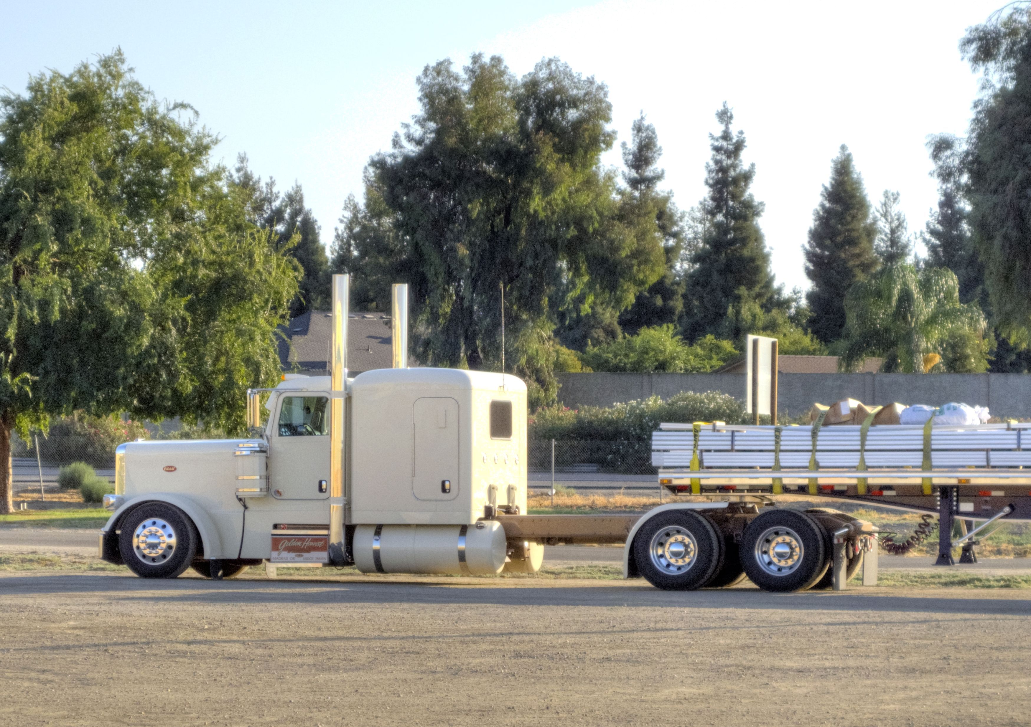 Golden Harvest Farms Peterbilt Cars Trucks And Such