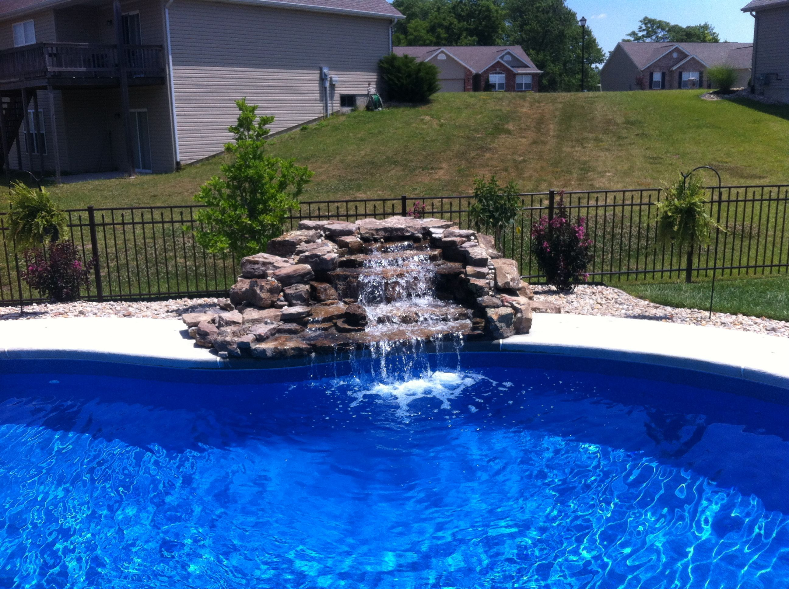 Beautiful Swimming Pool Waterfall! Backyard pool