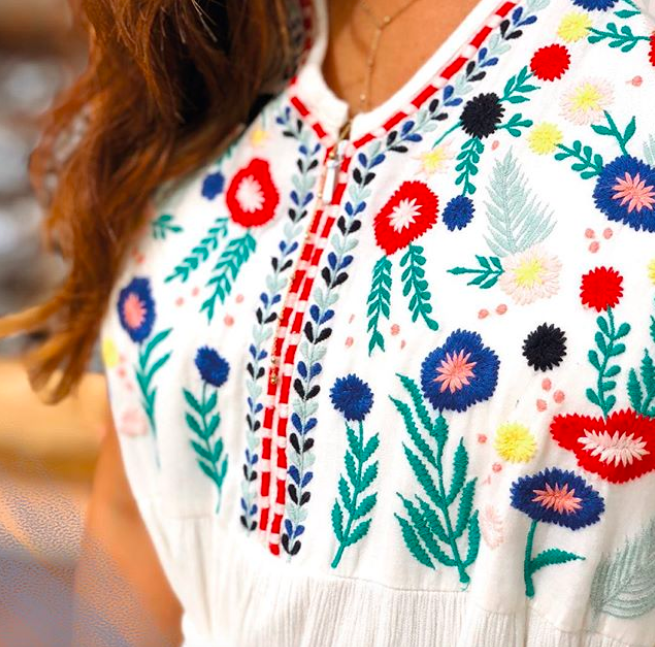 Umstands- & Stillkleid capri vibes in weiß | Umstandskleid ...