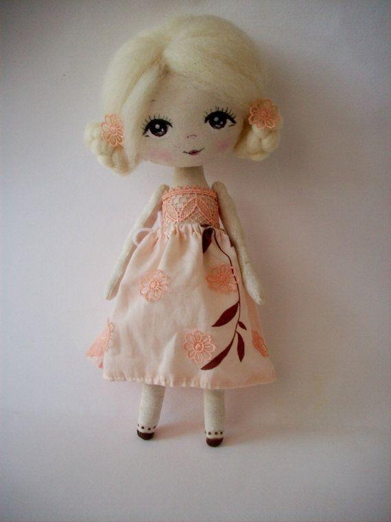 Repaint Artist Creates Lifelike Celebrity Dolls - aplus.com