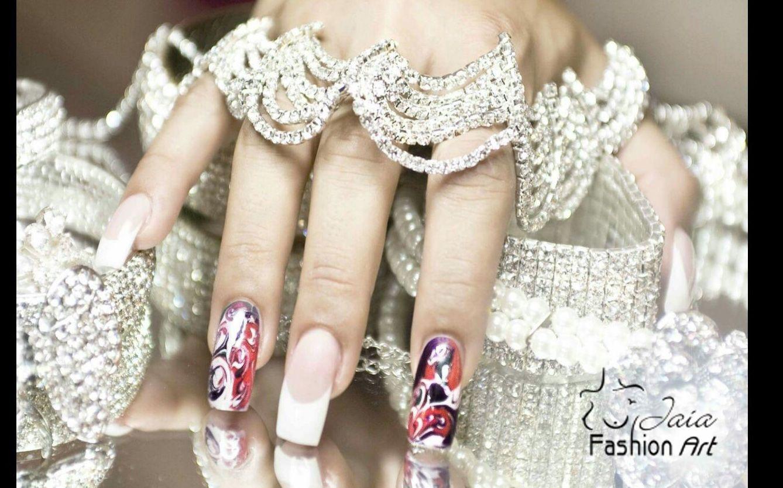 Da NOI, puoi riprodurre il ricamo, il tema, le fantasie del tuo ABITO per il GRANDE EVENTO, sulle tue mani!! <3 #dettagli #micropittura #beoriginal #bedifferent #fashionartstudio #jaia