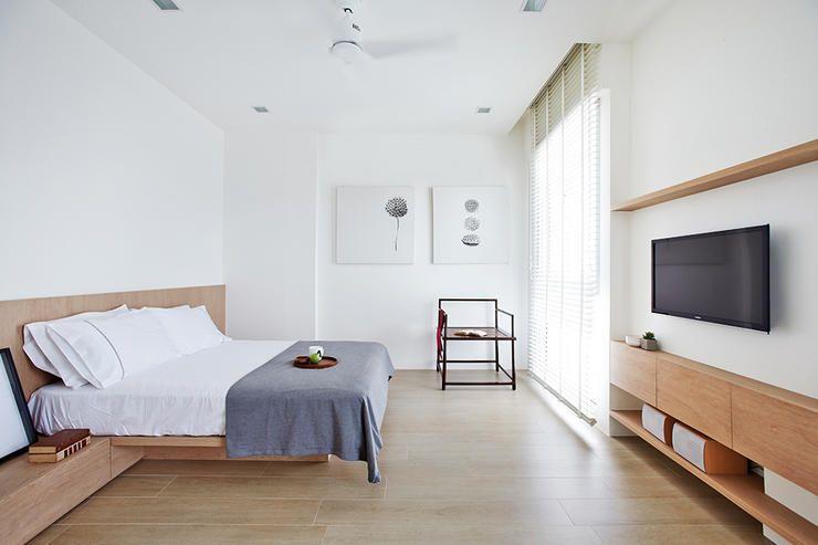 Light And Bright Minimalist Terrace House Design