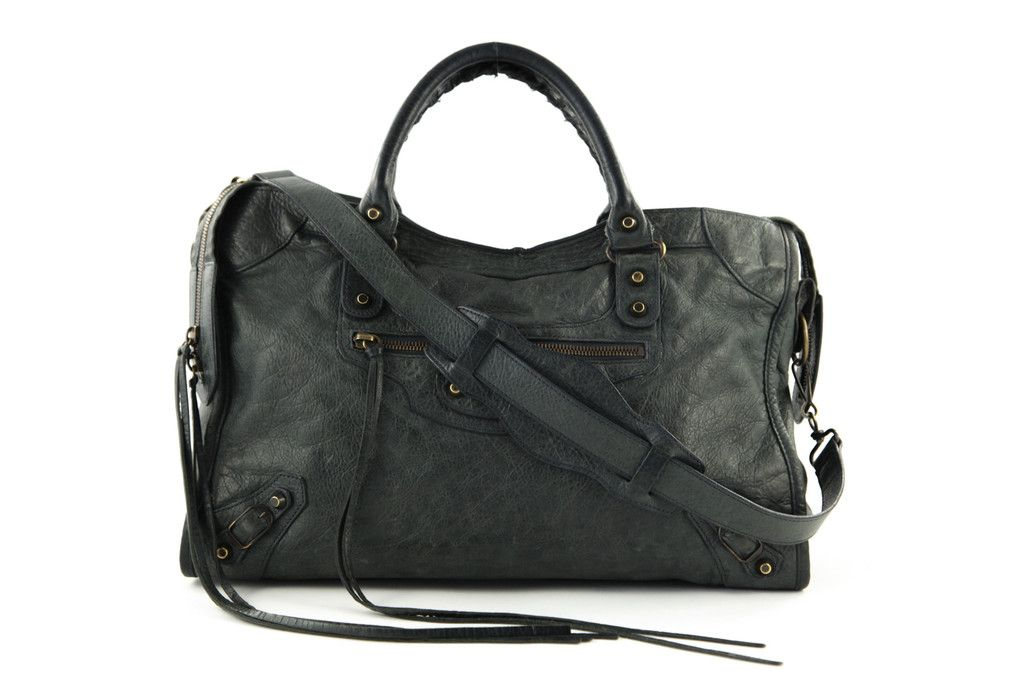 Balenciaga City Bag In Sapin Green Lovethatbag Pre Owned Authentic Designer Handbags Sold On Consignment