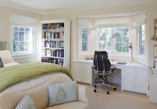 30 Bay Window Decorating Ideas Blending Functionality With Modern Interior Design Bedroom Layouts Bedroom Workspace Home Office Bedroom