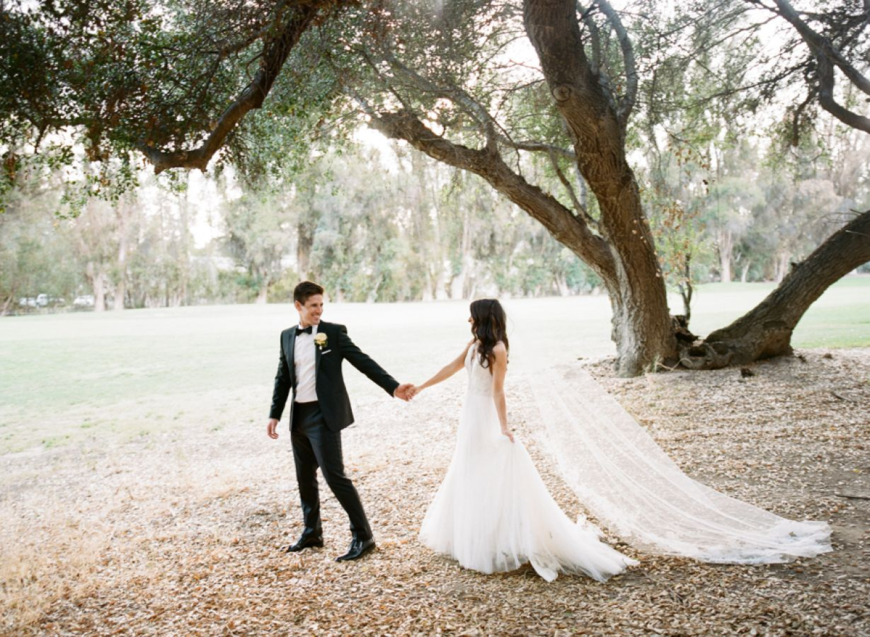 A Breathtaking Wedding Without A Speck Of Bright Color In