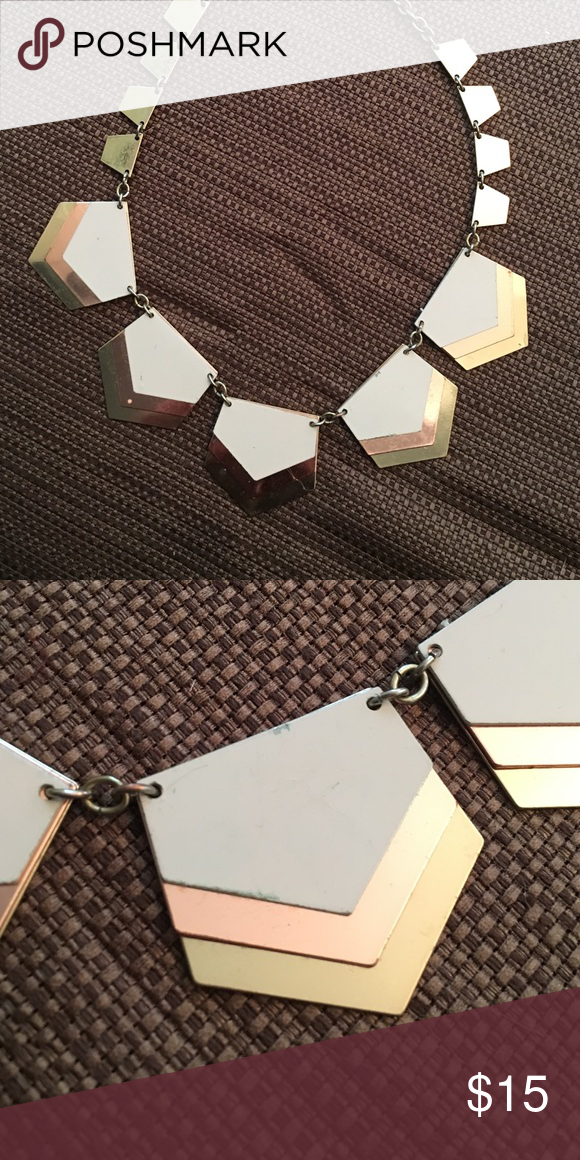 Rose gold/white Necklace ⚡️FREE WHEN U BUNDLE⚡️ A little bit of wear and tear scratches but nothing major. Has cool pentagon shapes for a unique look! Express Jewelry Necklaces