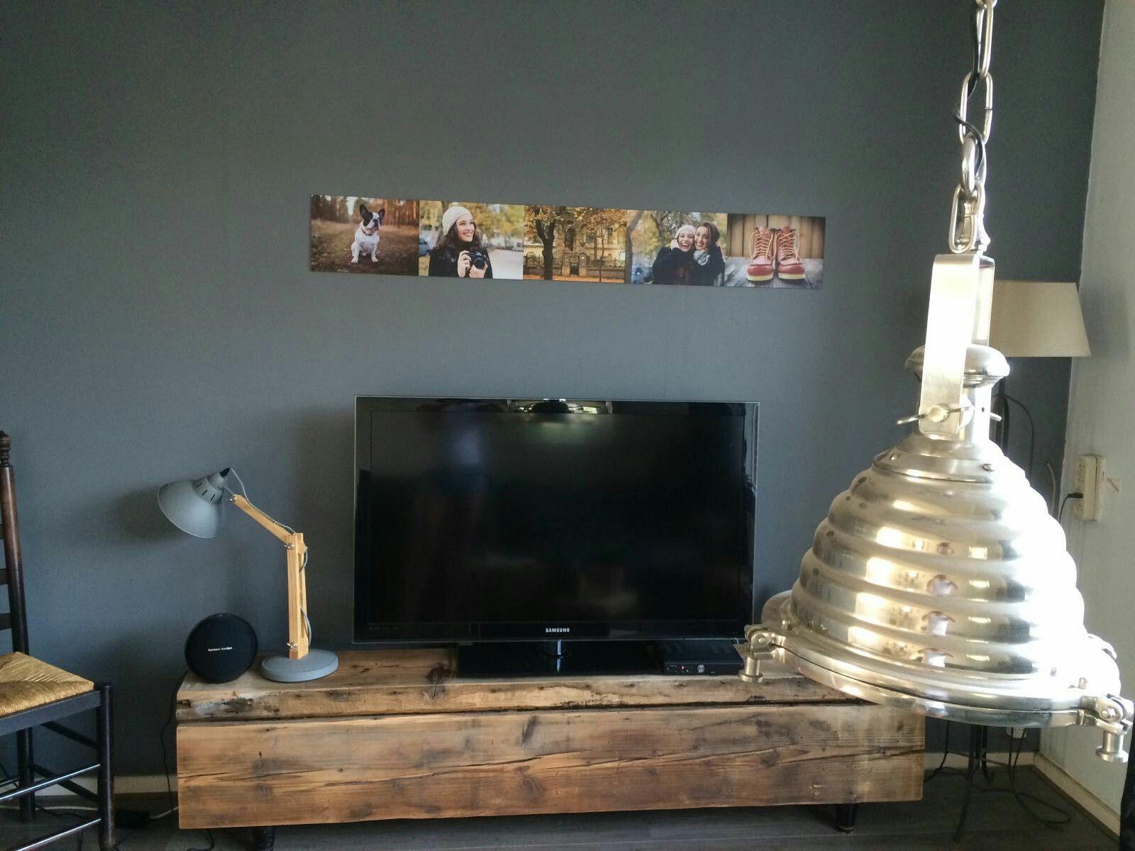 Tv meubel van oude dikke balken. Mooi robuust en stijlvol