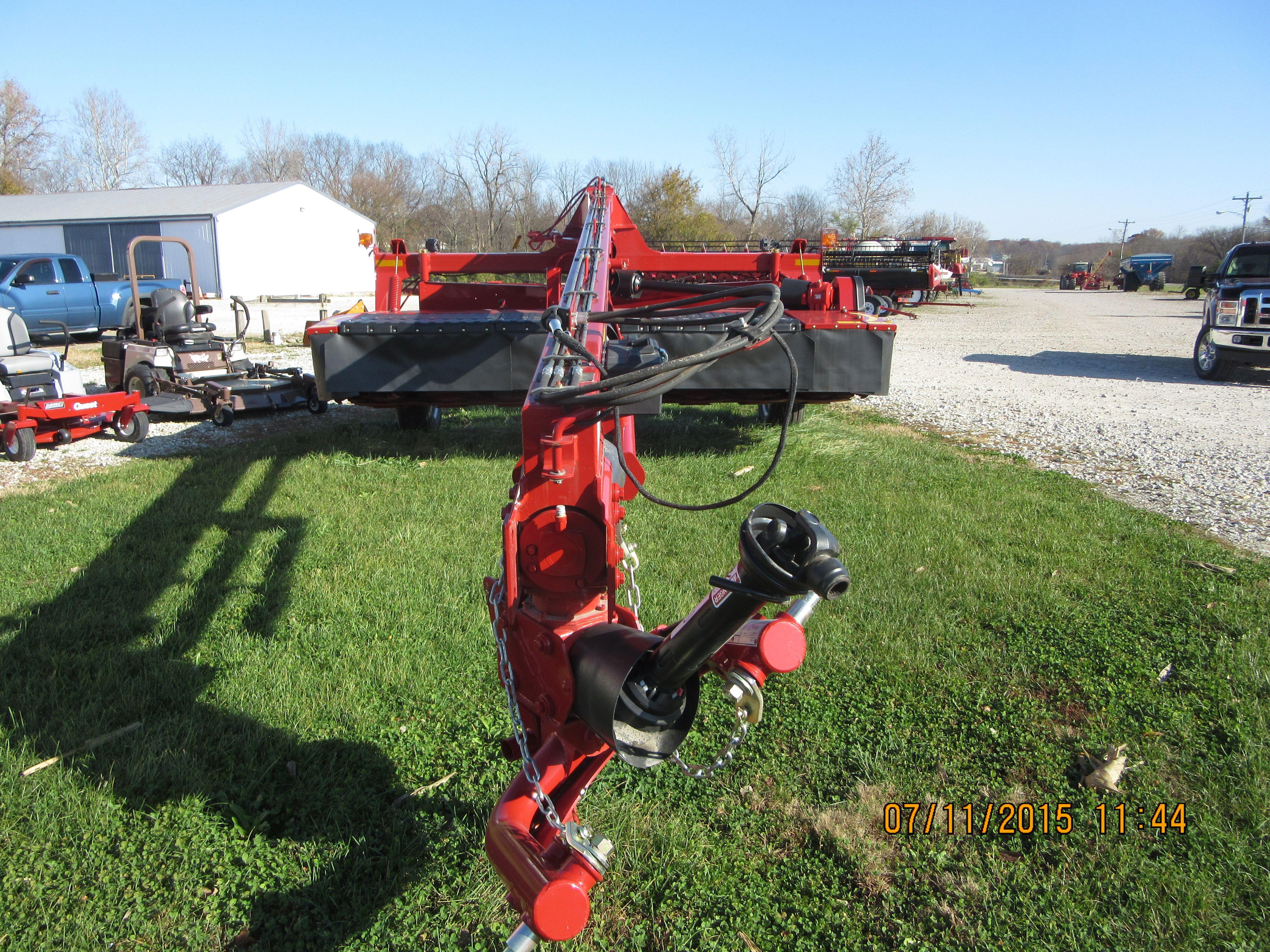 Looking at CaseIH DC133 mower conditioner | CaseIH equipment
