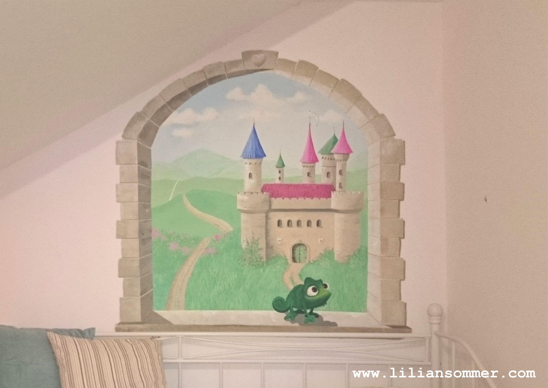 Wandmalerei im Kinderzimmer Sandsteinfenster mit Blick