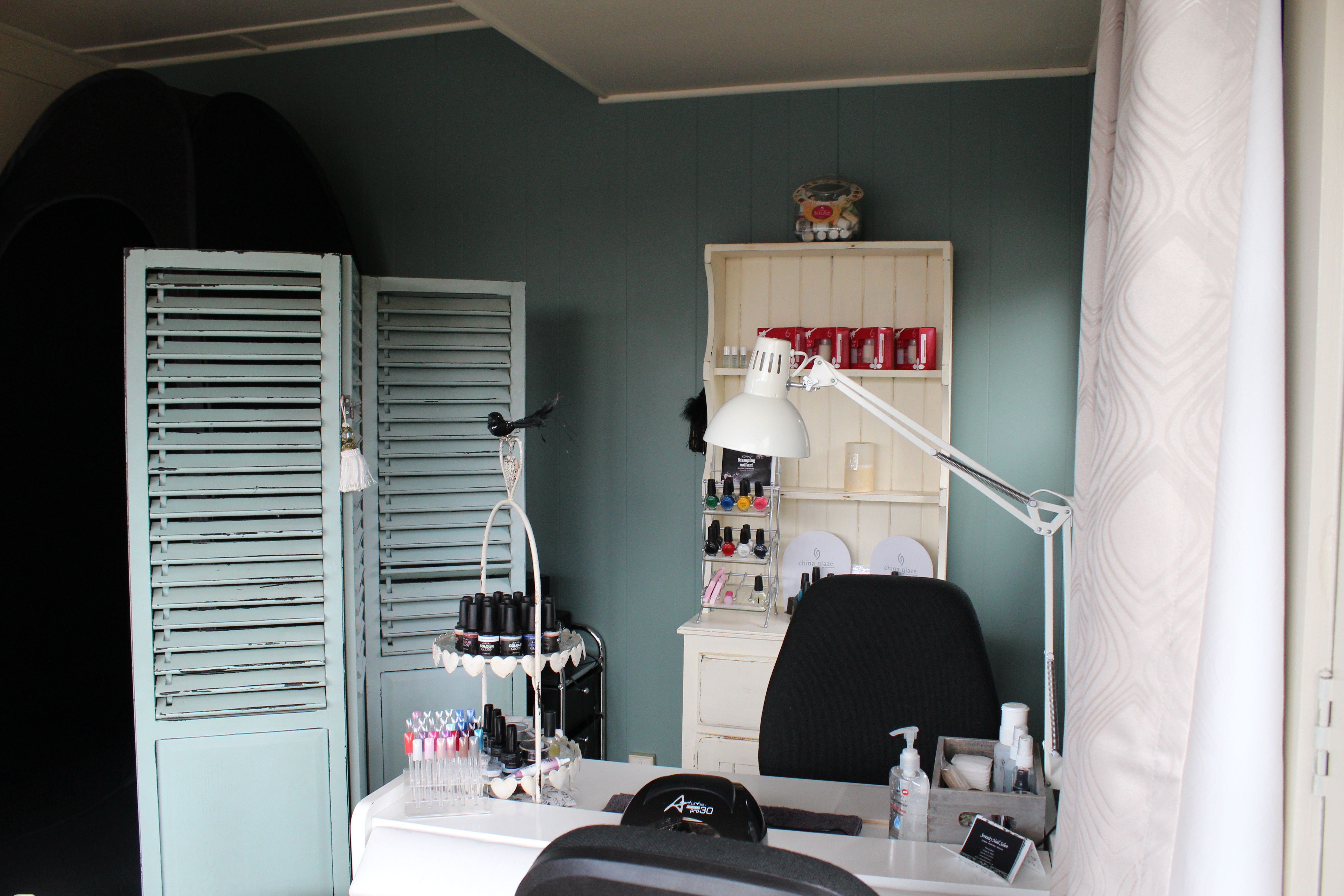 Small Space Home Nail Salon Decorating Ideas Nail Technician Room