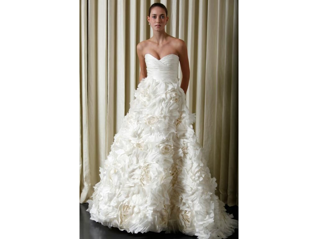 Monique lhuilliers sunday rose is the most perfect wedding gown search used wedding dresses preowned wedding gowns for sale ombrellifo Gallery