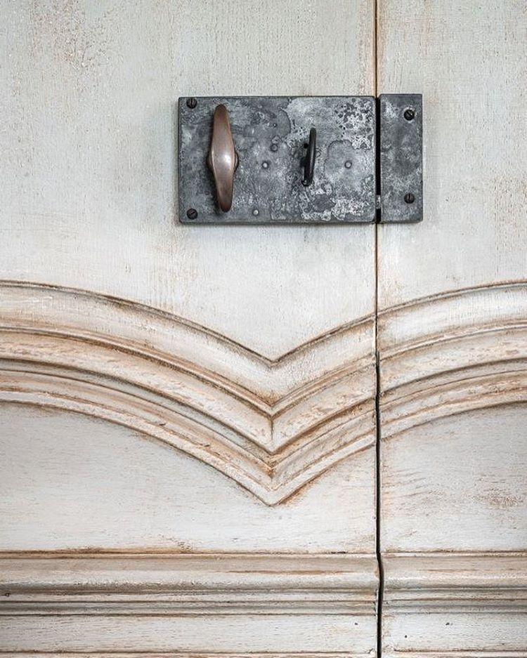 Jib door. Panelling Lefèvre Interiors. Hardware by Peter van Cronenburg. All made in & Jib door. Panelling Lefèvre Interiors. Hardware by Peter van ...