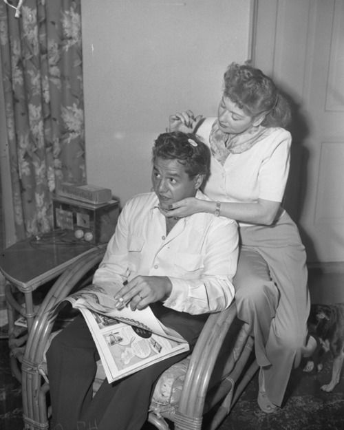 Lucy and Desi at home, 1949