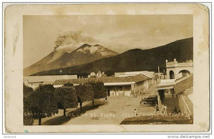 Guatemala, julio 30 1945, erupcion del Volcan de Fuego