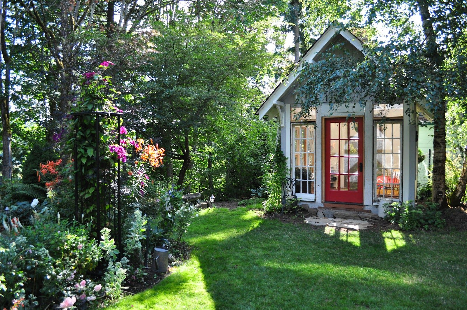 Tied Up In Ribbon: Sarahu0027s Garden Cottage