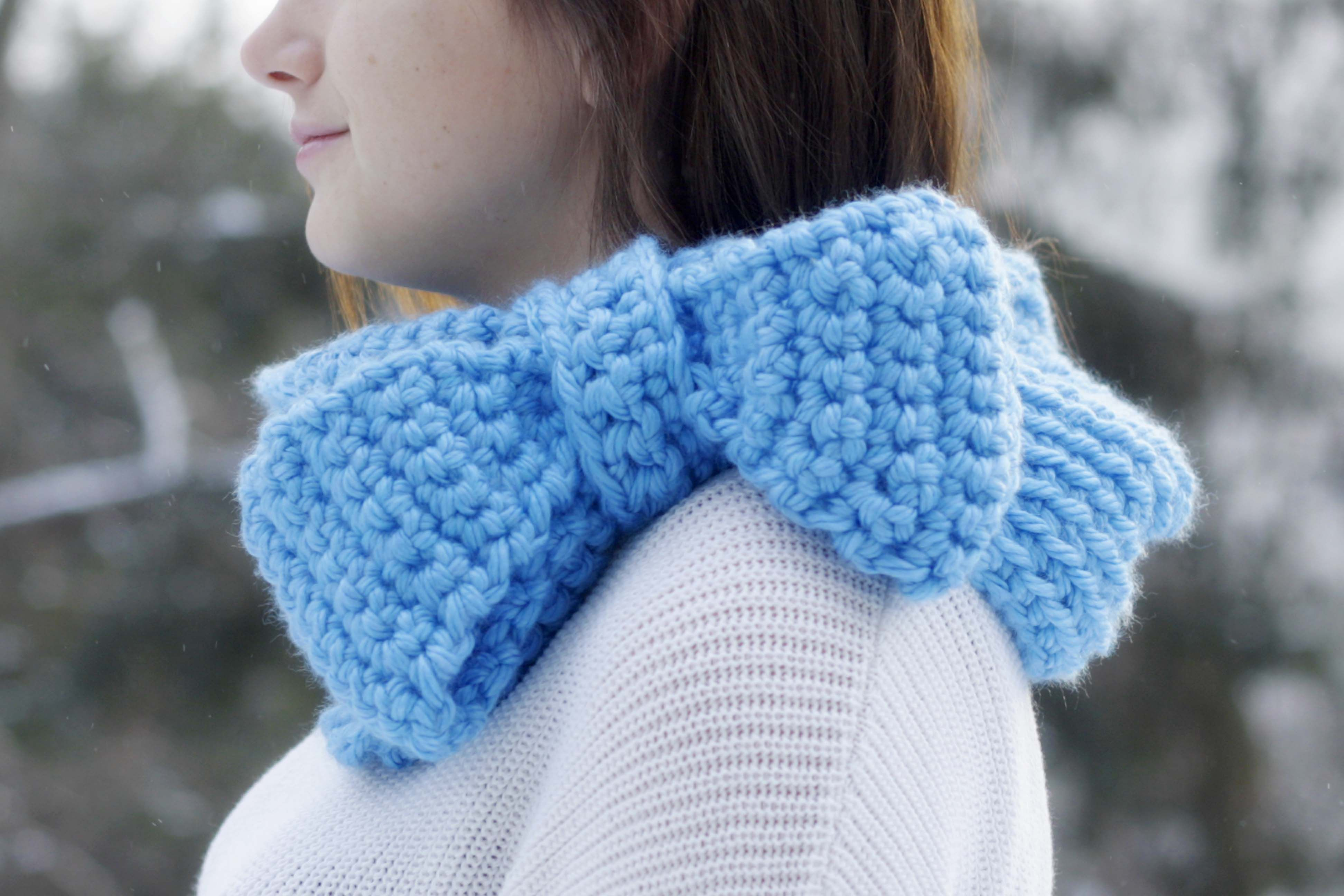 Chunky big bow cowl pattern - so cute! Works up really fast and is super trendy right now.