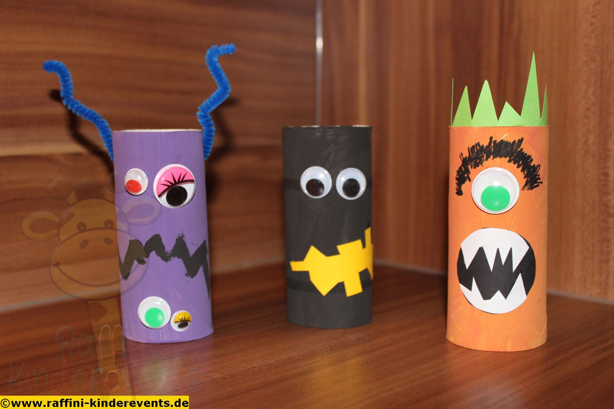 cute halloween monster recycling craft for kids recycling basteln mit kindern fuer halloween. Black Bedroom Furniture Sets. Home Design Ideas