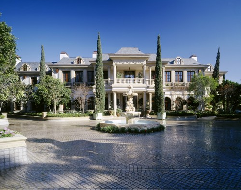 Mohamed hadid 39 s gargantuan bel air super mansion manors for Super mega mansions