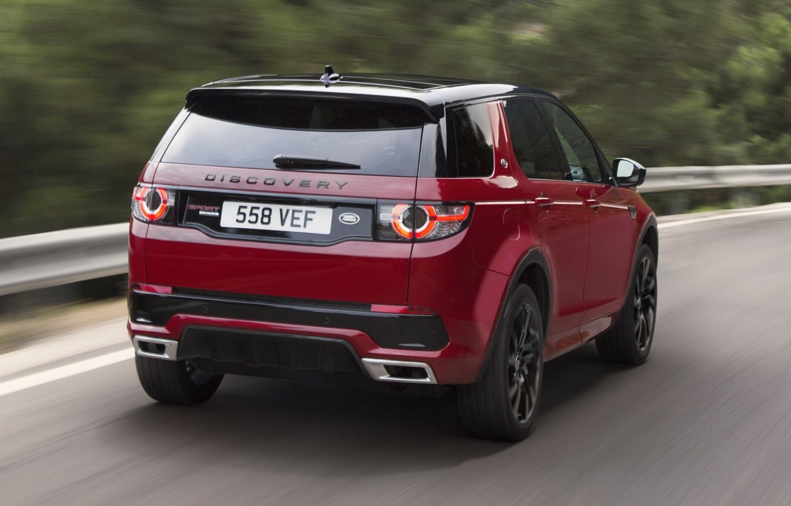 Land Rover Discovery Sport Gets New HSE Dynamic Lux For