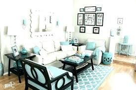 How To Decorate Rooms With Pillows Find Out Some Ideas Modernpillows Livingroom Bedroom Diningroom Decorative Homedecor