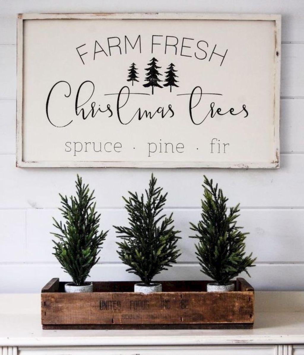 30 Rustic Farmhouse Style Christmas Decorating Ideas https
