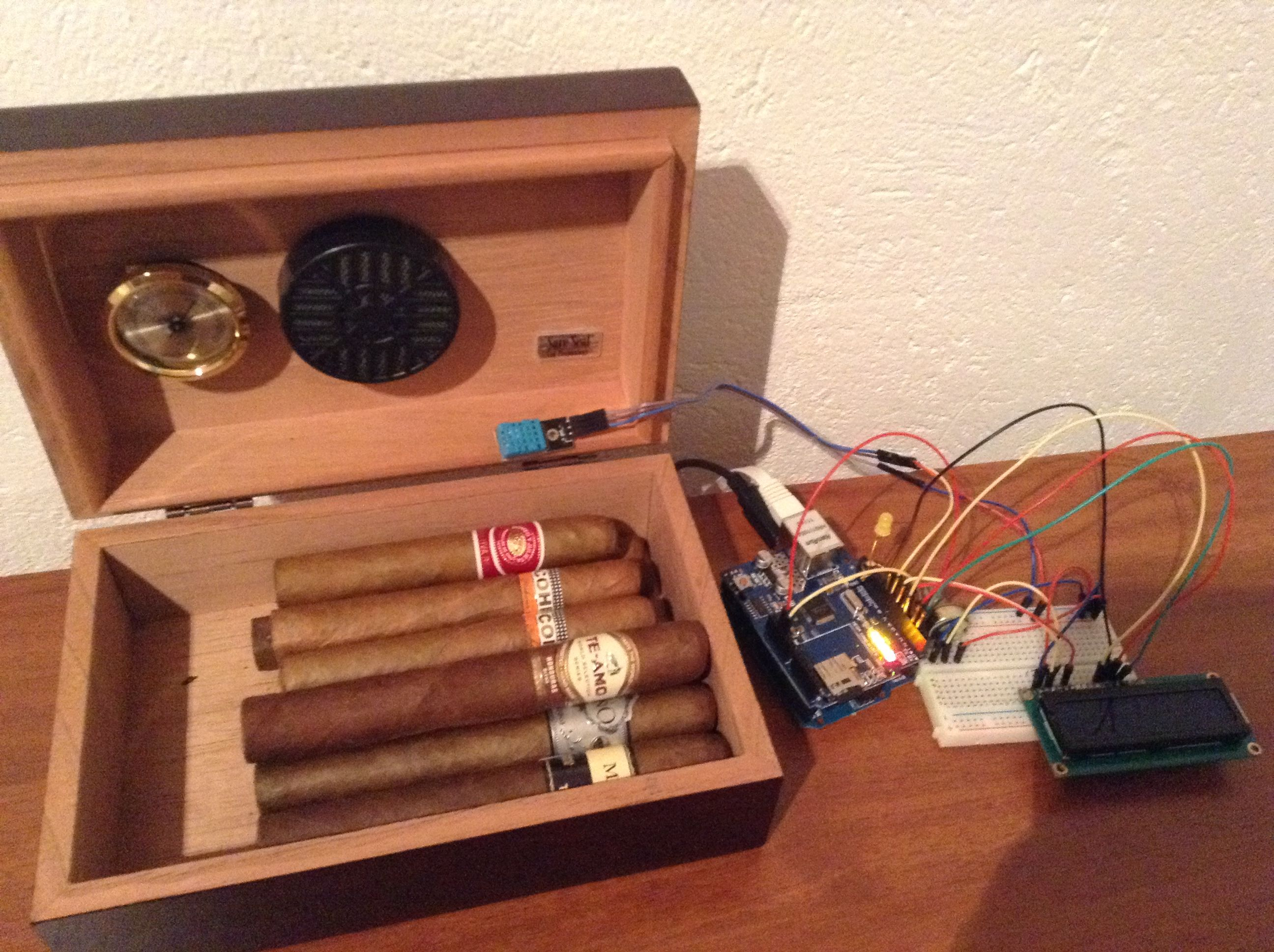 Humidor Cigar Updates Twitter Powered By Thingspeak And Led Lighting Circuitsled Pcb Boardalumimun Buy Arduino