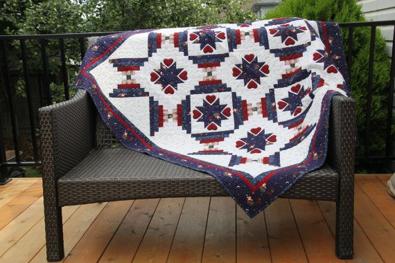 Cathedral Stars Lap Quilt di JoyQuiltsandPatterns su Etsy, $250.00