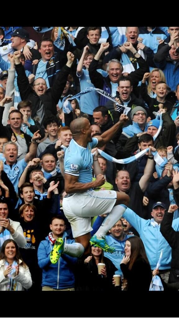 """""""Play your heart out. Always believe, never give up. Our DNA. #MCFC"""" - @Vincent Kompany"""