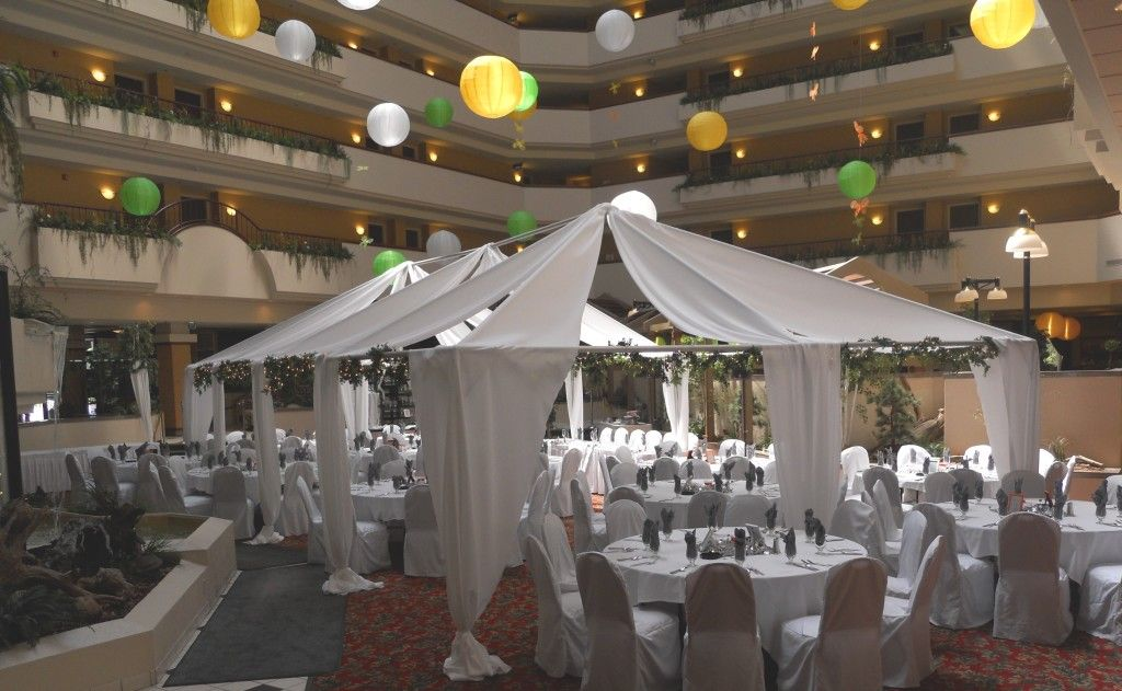 Holiday Inn Rushmore Plaza Is A Venue Spotlight On The Black Hills Bride Blog Check Out All They Have To Offer South Dakot Holiday Inn Bride Blog City Wedding
