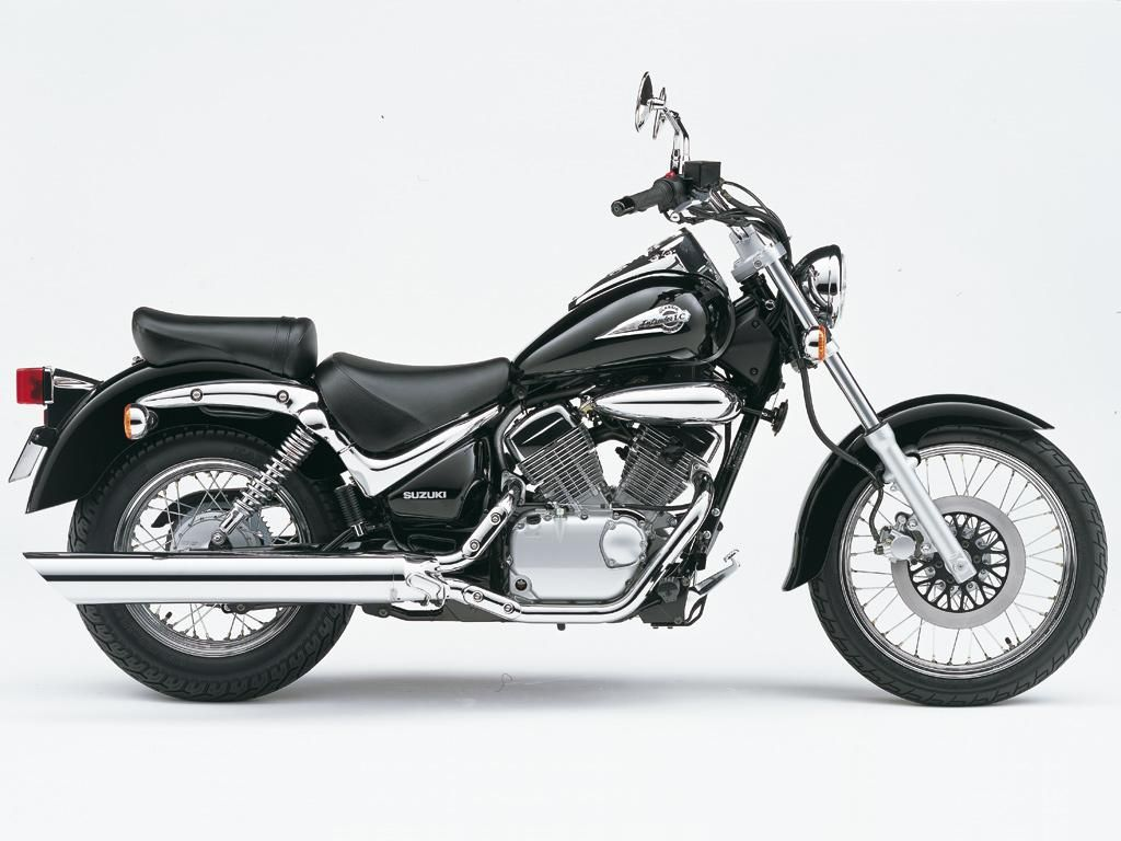 Suzuki Intruder 125 LC This is similar to mine!! Hope to get some of the  work done on mine so I can get riding!
